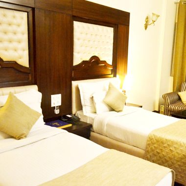 hotels nearby chandigarh railway station, hotels near to chandigarh railways station, best budget hotels in chandigarh, best chandigarh hotels, 3 star hotels in chandigarh, hotels near chandigarh airport, best hotels chandigarh, panchkula hotels, chandigarh hotels, budget hotels in chandigarh